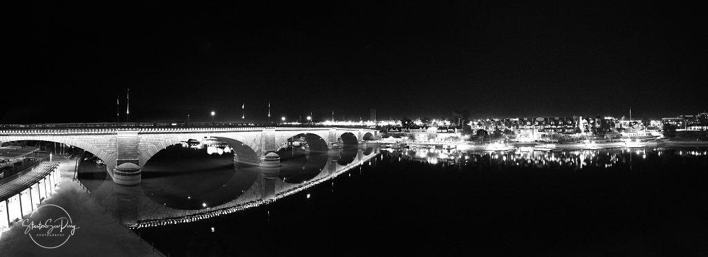 London-Bridge-Night-View-Pano-BW3.jpg